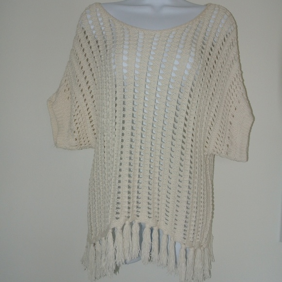 American Eagle Outfitters Sweaters - Creme Crochet Sweater